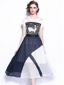 Summer New Deer Prints Cotton Tee with Pleated Long Skirt