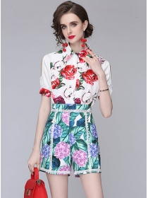 Summer Fashion Off Shoulder Flowers Short Suits