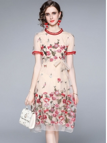 Retro Europe 2 Colors Tie Waist Embroidery Gauze Dress