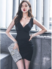 Sexy Fashion Low V-neck Pleated Slim Tank Dress
