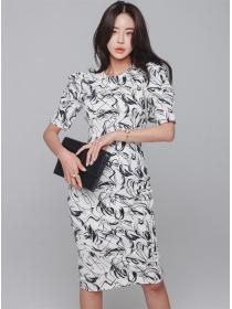 Wholesale Korea Round Neck Scrawl Printings Slim Dress