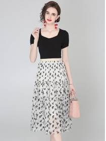 Summer New Cotton T-shirt with Flowers Gauze Long Skirt