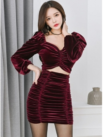 Sexy Korea V-neck Pleated Puff Sleeve Velvet Dress Set
