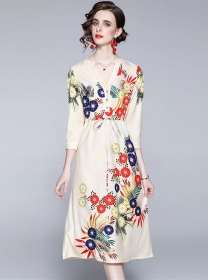 Wholesale Summer Tie Waist V-neck Flowers Casual Dress