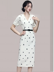 Modern Lady V-neck Belt Waist Dots Short Sleeve Dress