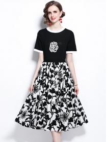 Summer New Knitting T-shirt with Flowers Long Skirt