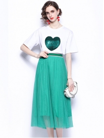 Preppy Fashion Sequins Heart T-shirt with Gauze Fluffy Skirt