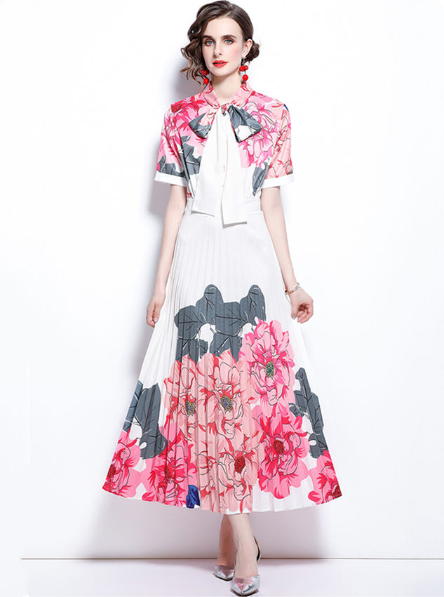 Charming Europe Tie Collar Flowers Pleated Maxi Dress