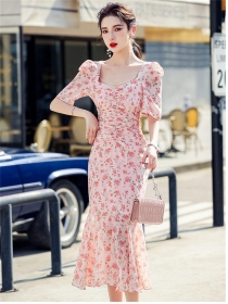 Charming Wholesale Beads Square Collar Pleated Fishtail Dress