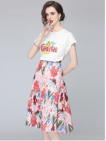 Pretty Lady Sequins Embroidery T-shirt with Flowers Skirt