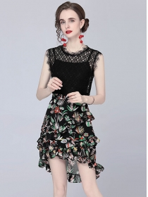 Summer New Lace Blouse with Dovetail Flowers Skirt