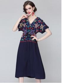 Europe Stylish 2 Colors Flowers Embroidery Tie Waist Dress
