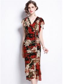 Retro Charming V-neck Pleated Waist Flowers Fishtail Dress