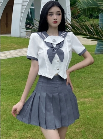 Preppy Girlish Bowknot Short Blouse with Pleated Skirt
