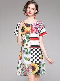 Wholesale Round Neck Flowers Short Sleeve Women Dress