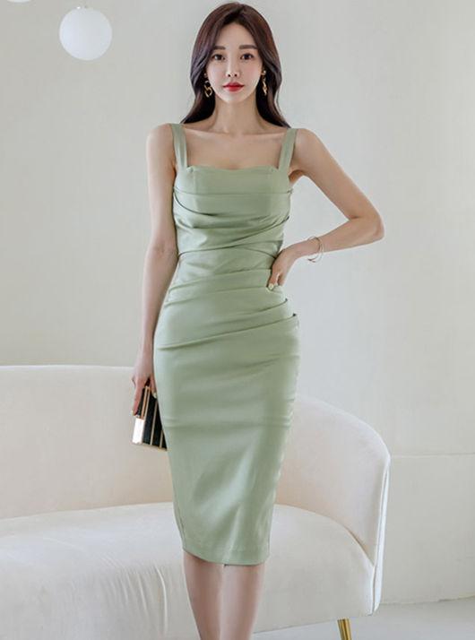 Wholesale Korea Pleated Fitted Waist Slim Straps Dress