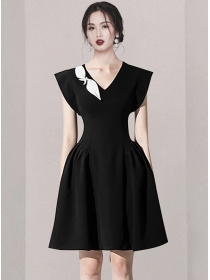 Boutique Fashion Color Block V-neck Fitted Waist Tank Dress