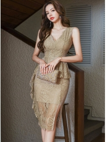 Retro Grace V-neck Flouncing Waist Lace Bodycon Dress