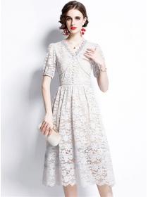 Europe Grace V-neck Lace Flowers Short Sleeve Dress