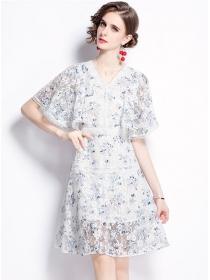 Pretty Summer V-neck Flouncing Sleeve Lace A-line Dress