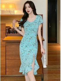 Pretty Women Beads V-neck Flowers Fishtail Slim Dress