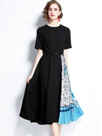 Europe Fashion Round Neck Splicing Pleated Flowers Dress