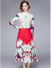 Retro Fashion Round Neck Flowers Pleated Long Dress