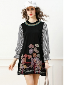 Hot Selling Flowers Embroidery Stripes Flare Sleeve A-line Dress