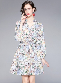 Pretty Women Fashion V-neck Flowers Puff Sleeve Dress