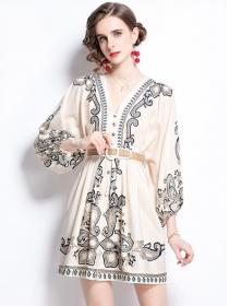 Grace Retro V-neck Belt Waist Flowers Puff Sleeve Dress