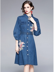 Autumn New Single-breasted Flowers Embroidery Denim Shirt Dress
