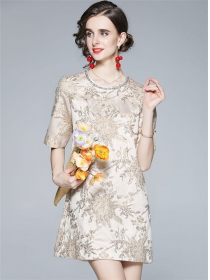 Retro Charming Rhinestones Round Neck Embroidery Dress