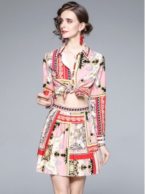 Retro Sexy Flowers Loosen Blouse with Pleated Short Skirt