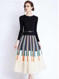 Wholesale Europe Knit Splicing Stripes Pleated Long Dress