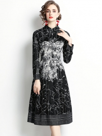 Retro Wholesale Fitted Waist Printings Long Sleeve A-line Dress