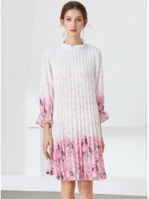 Wholesale Charming Flowers Pleated Loosen A-line Dress