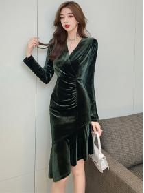 Charming Korea V-neck Fishtail Slim Long Sleeve Velvet Dress