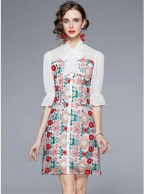 Pretty Europe Tie Collar Flowers Embroidery Mid-sleeve Dress