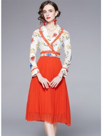 Charming Europe Tailored Collar Flowers Pleated Dress