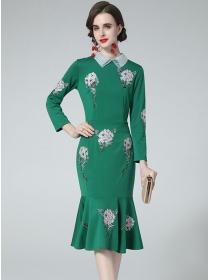 Retro OL Fashion Doll Collar Embroidery Fishtail Slim Dress