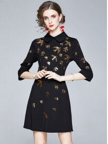Europe Stylish Doll Collar Sequins Swallow Embroidery Slim Dress