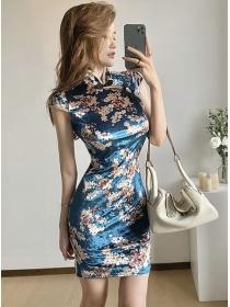 Retro Charming Flowers Skinny Velvet Cheongsam Dress