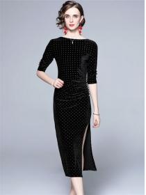 Modern Lady Round Neck Rhinestones Split Velvet Slim Dress