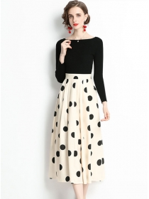 Fashion Autumn Knitting Tops with Dots Flouncing A-line Skirt