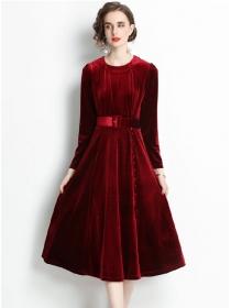Europe Fashion Round Neck Belt Waist Velvet Long Dress