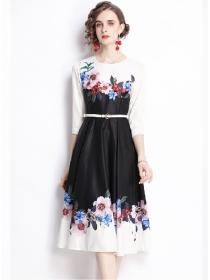 Fashion Autumn Round Neck Flowers Flouncing A-line Dress