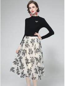 Europe Wholesale Knitting Tops with Embroidery Gauze Skirt