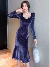 Retro OL Fashion Beads Collar Velvet Fishtail Dress